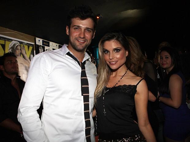 Fernando Justin e Flávia Vianna (Foto: Iwi Onodera/EGO)