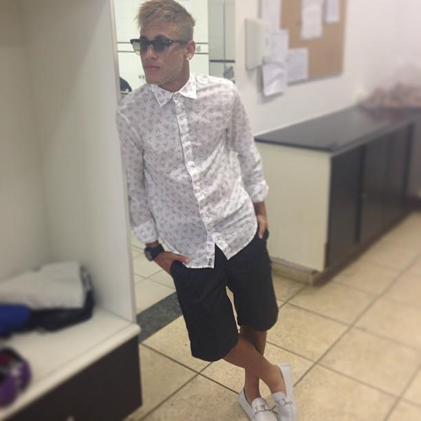 8aa731d8ff17b EGO - Neymar posa todo estiloso - notícias de Famosos