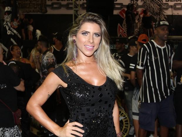 Ana Paula Minerato na quadra da Gaviões da Fiel em São Paulo (Foto: Paduardo/ Phábrica de Imagens/ Divulgação)