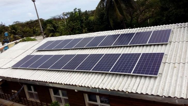 Placa solar Noronha