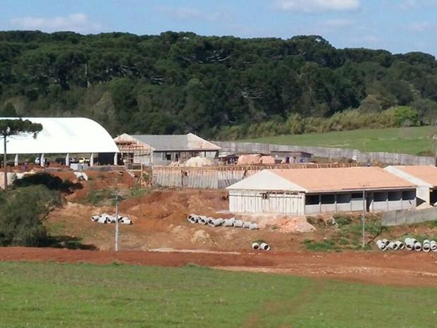 Escola Estadual Leni Marlene Jacob teve obras suspensas (Foto: MI Construtora/Divulgação)