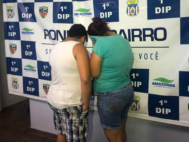 Suspeitas, que moravam juntas, não quiseram comentar acusação  (Foto: Luis Henrique/G1 AM)