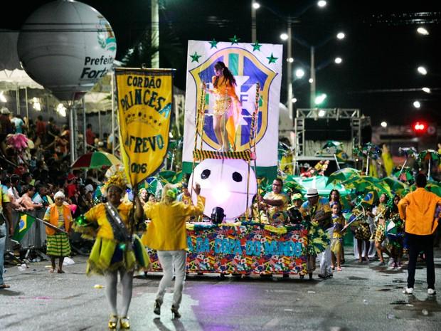 Desfile do Cordão Princesa no Frevo (Foto: Natinho Rodrigues/Agência Diário)