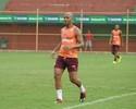 """""""Boa, fera!"""": Wandinho dá passe para David Dener fazer golaço em treino"""