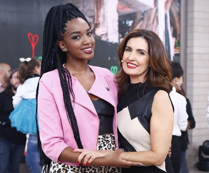 A cantora Iza com a Fátima  (Foto: Fábio Rocha/Gshow)