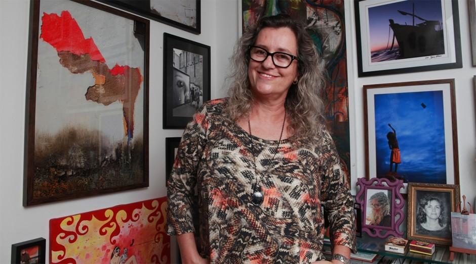 Integrante do Clube de Excelência no Turismo do Sebrae, Valéria Simões reúne arte e negócio na CasaGaleria (Foto: Raul Golinelli / ASN Bahia)