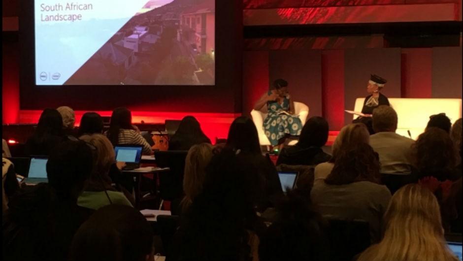 Mulheres se reúnem em palestra realizada durante Congresso da Dell na África do Sul. (Foto: Divulgação)