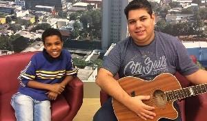Juan Carlos Poca e seu produtor Gilson (Foto: Divulgação/RPC)