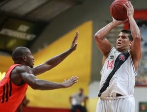 basquete liga ouro Collum Vasco (Foto: Luiz Pires / Divulgação)