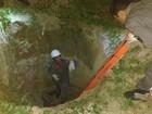 Homem é resgatado depois de cair em fossa de 5 metros em Januária