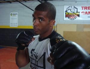 Gustavo Sucuri, lutador de MMA de Rio Preto que disputa o Predador FC no sábado (Foto: Marcos Lavezo/Globoesporte.com)