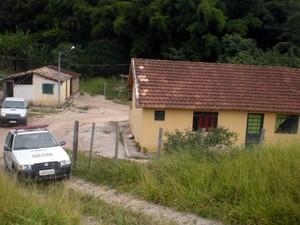 fábrica clandestina fogos de artifícios ação conjunta exército polícia Civil Militar Santo Antônio do Monte MG (Foto: Polícia Civil/Divulgação)