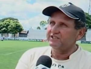 João Martins, novo técnico do Araxá (Foto: Reprodução / Tv Integração)