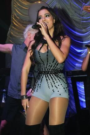 Anitta em show em boate em São Paulo (Foto: Manuela Scarpa e Marcos Ribas/ Foto Rio News)