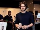 Lançamento do iPhone 6 no Brasil tem famosos em lojas pelo país