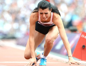 Merve Aydin chora na prova dos 800m  (Foto: AFP)