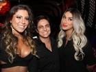 Thammy Miranda leva a namorada a lançamento de ensaio nu de Bolina