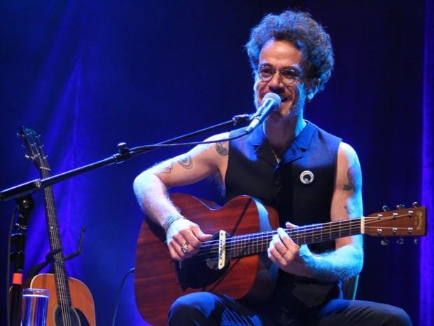 Nando Reis em show na Zona Oeste do Rio (Foto: Anderson Borde/ Ag. News)