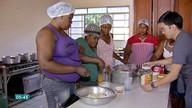 Haitianas aprendem a fazer biscoitos típicos de Cuiabá