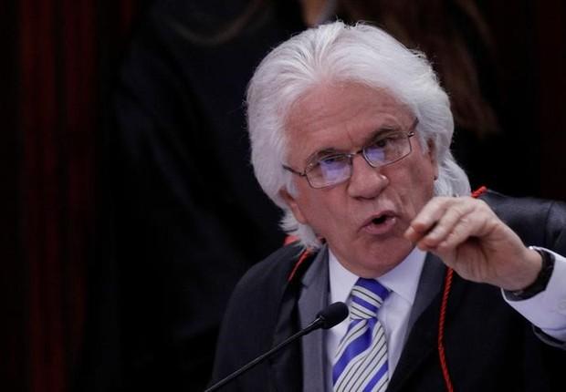 Ministro Napoleão Nunes Maia fala durante julgamento no TSE da chapa Dilma-Temer (Foto: Ueslei Marcelino/Reuters)