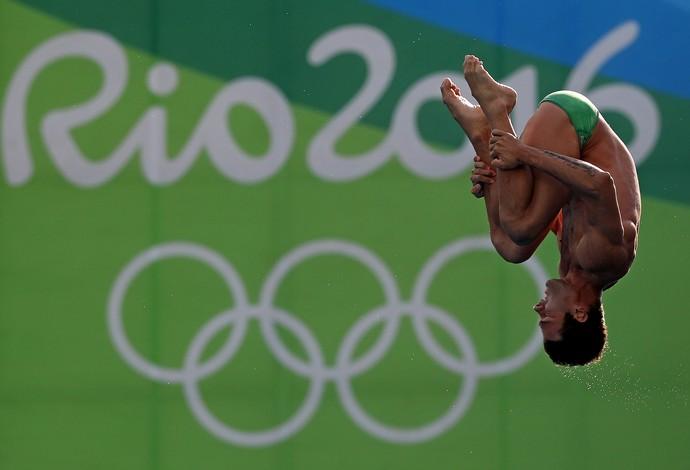 Hugo Parisi, nas eliminatórias da plataforma de 10m dos saltos ornametais na Rio 2016 (Foto: Satiro Sodré / SSPress / CBDA)