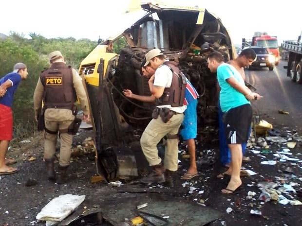 Bandidos explodiram carro-forte em rodovia de Juazeiro, norte da Bahia (Foto: Divulgação / Polícia Civil)