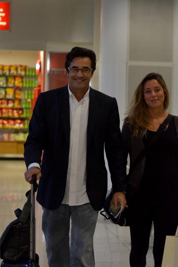 Luciano Szafir e namorada (Foto: FotoRioNews / William Oda)