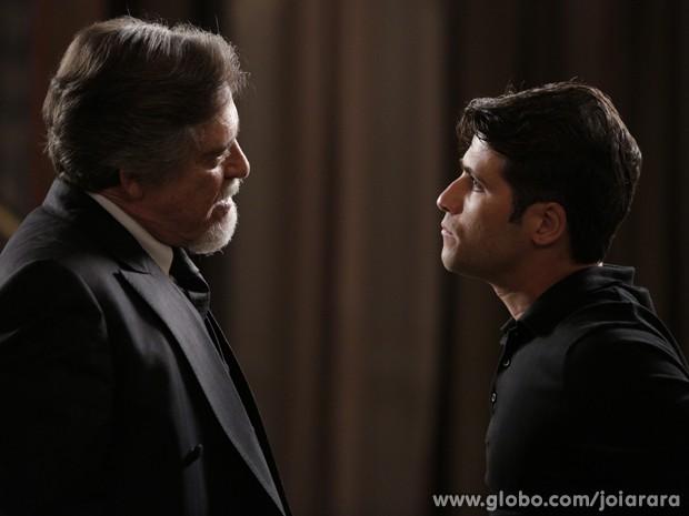 Franz declara guerra ao pai (Foto: Fábio Rocha/TV Globo)
