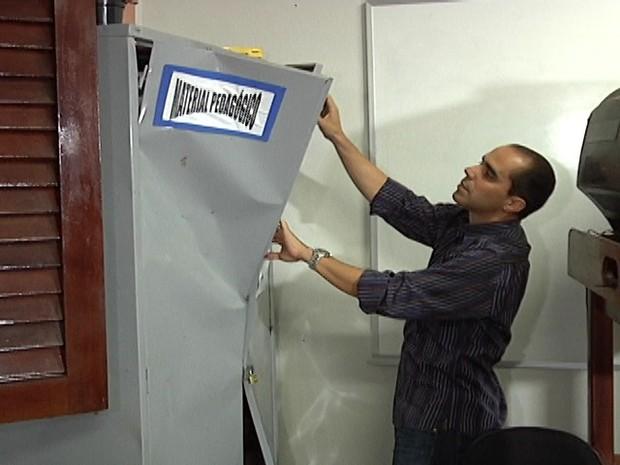 Secretário Allan Kardec vistoriou U.I. Darcy Ribeiro, depredada por vândalos (Foto: Reprodução/TV Mirante)