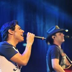 Guilherme & Santiago e Jefferson Morais (Foto: Leandro Kazuo/Divulgação Expoari)