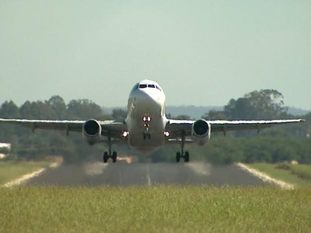 Pista do Aeroporto Leite Lopes será ampliada para receber aviões de grande porte (Foto: Reprodução/EPTV)
