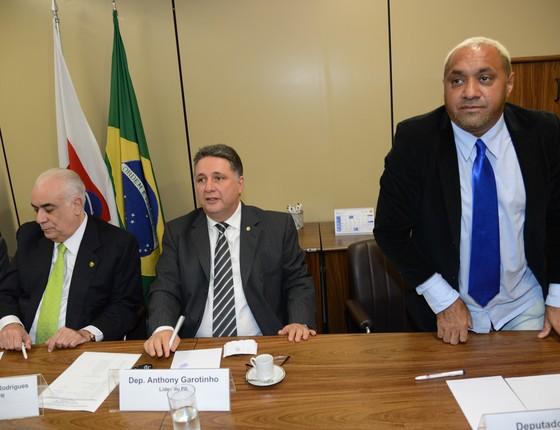 Em 2013, Tiririca ameaçou deixar a política. Mas, em reunião com caciques do PR, ele desistiu (Foto: Fábio Rodrigues Pozzebom/ABr)