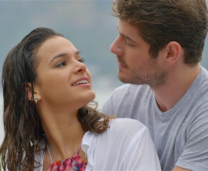 Em clima de romance, Mari e Ben tocam juras de amor (Foto: TV Globo)
