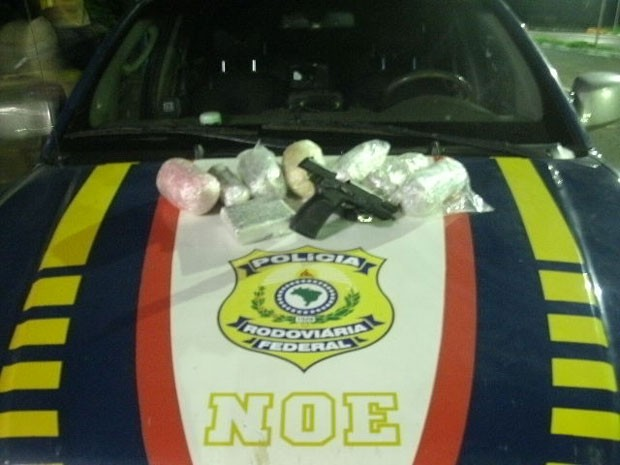 Ecstasy PRF Uberaba (Foto: Polícia Rodoviária Federal / Divulgação)