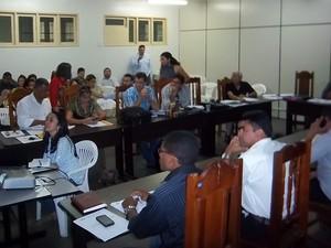 Os municípios que poderão ser contemplados com o dinheiro foram citados durante reunião (Foto: Sesau/Divulgação)