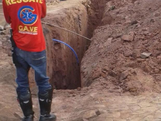 Homem morre soterrado em Pitangui (Foto: Clarina Andrade/Arquivo Pessoal)