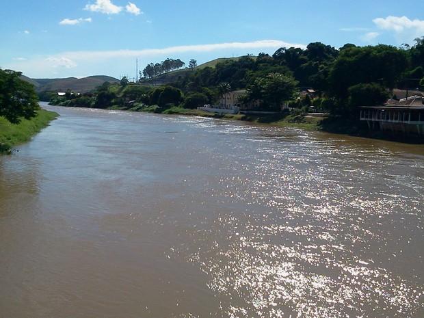 O rio Paraíba do Sul está no centro da maior disputa por recursos hídricos que se tem notícia no país (Foto: BBC)
