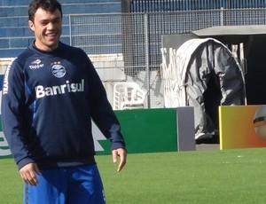 Kleber volta a treinar com o grupo do Grêmio (Foto: Tomás Hammes/Globoesporte.com)