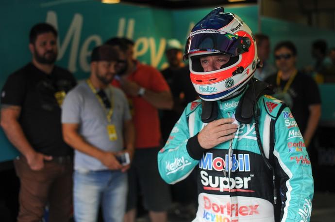 Rubens Barrichello, após 2º lugar no treino classificatório da Stock car neste sábado, em Interlagos (Foto: Duda Bairros)