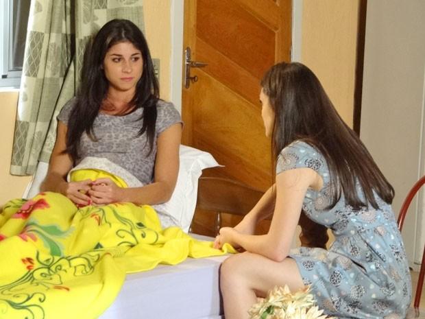 Brunessa confessa a Cida que a gravidez foi planejada para segurar Rodinei (Foto: Cheias de Charme / TV Globo)