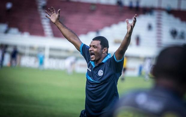 Nadélio Rocha aprova atuação da equipe (Foto: Fillipe Araújo/Divulgação-ADC)