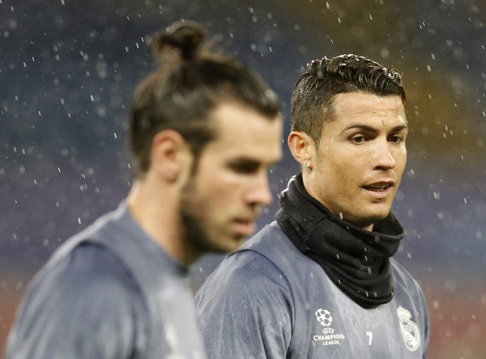 Cristiano Ronaldo Bale treino Napoli x Real Madrid Liga dos Campeões da Europa (Foto: Carlo Hermann/AFP)