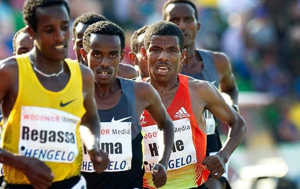atletismo Haile Gebrselassie em prova de 10 mil metros em Hengelo, na Holanda (Foto: Agência EFE)