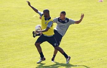 Ricardo arma Bota com Emerson Silva e testa três atacantes para emergência