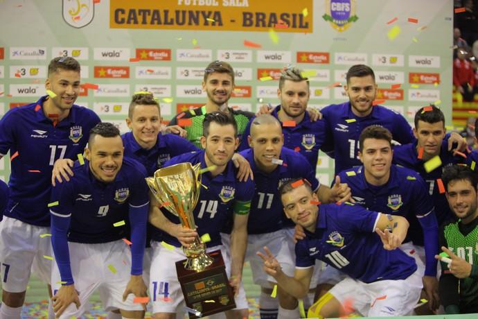 Brasil goleia Catalunha no futsal (Foto  Ricard Rovira) e2548934594f4