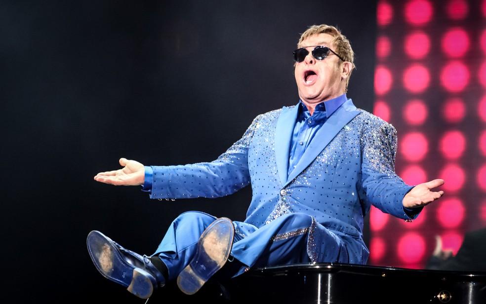 Elton John brinca com o piano durante apresentação no Palco Mundo no Rock in Rio 2015 (Foto: Fabio Tito/G1)