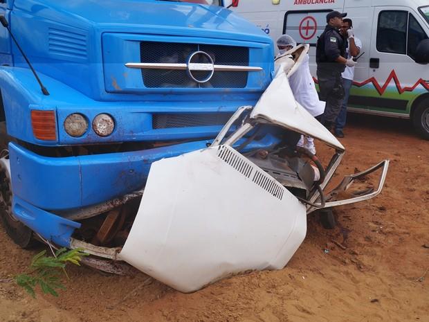 Carro ficou completamente destruído após o acidente (Foto: Josivan Dantas/Arquivo Pessoal)