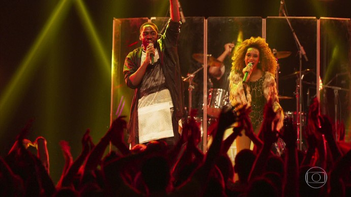 Brau e Michele fazem show beneficente (Foto: TV Globo)