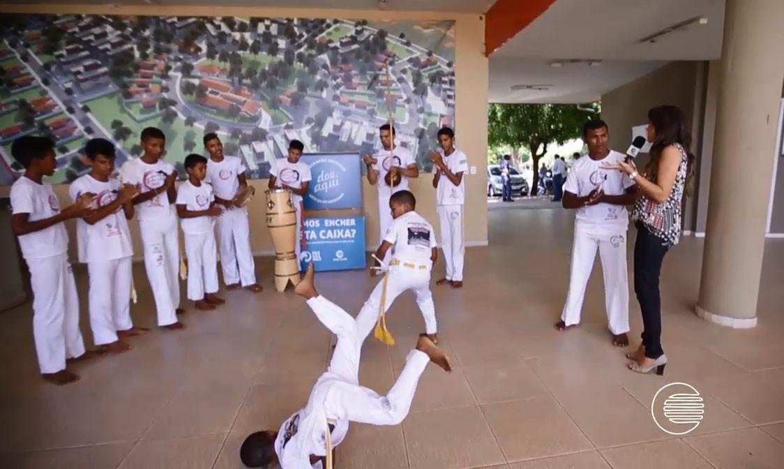 Capoeiristas fizeram parte da ação de solidariedade do Pogramão (Foto: Reprodução/TV Clube)