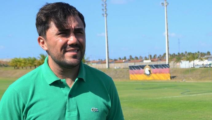 Luizinho Lopes técnico do Globo FC (Foto: Jocaff Souza/GloboEsporte.com)